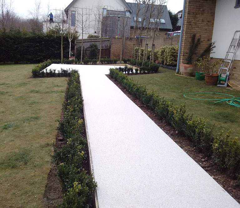 The finished Resin Bound path and patio